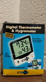 Grower's Edge Large Display Thermometer/Hygrometer (T=6) in Fort Campbell, Kentucky