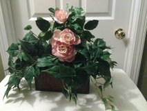 Arrangement w/Pink Roses N Wicker Container in Eglin AFB, Florida