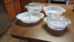Vintage fire king 6 piece cassrole set in Morris, Illinois
