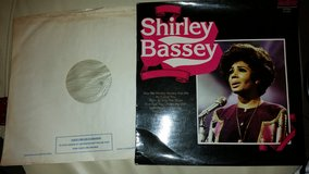 Shirley Bassey Record - Vinyl LP in Lakenheath, UK