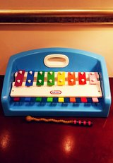 VINTAGE LITTLE TIKES TAP A TUNE XYLOPHONE PIANO MUSICAL TODDLER TOY 1985 in Aurora, Illinois