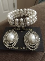Pearl and Diamonds Earings / Bracelet Set in Bolingbrook, Illinois