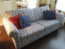 beautiful newer pull-out sofa in Bolingbrook, Illinois