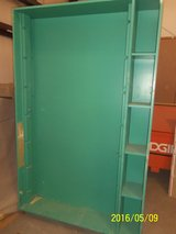 Solid Wood Shelf/Open Hanging Display Cabinet in Alamogordo, New Mexico