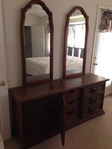 King size bedroom set in Alamogordo, New Mexico