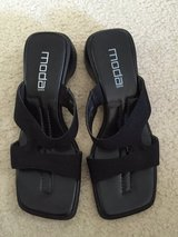 EUC Size 8 Sandals Black in Lockport, Illinois