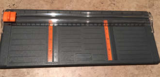 """Used FISKARS 4"""" inch paper cutter for scrapbooking in Alamogordo, New Mexico"""