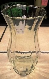 Vase Clear Glass in Fort Campbell, Kentucky