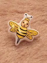 Bumblebee Buttons NEW over 300 in Okinawa, Japan