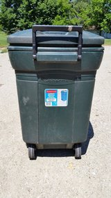 Rubbermaid Roughneck Wheeled Refuse Container  45 gal in Plainfield, Illinois