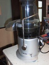 Breville Juice Fountain Plus JE98XL in Orland Park, Illinois
