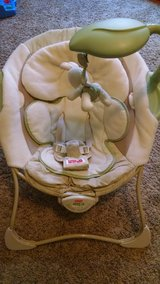 Baby papsan seat in 29 Palms, California