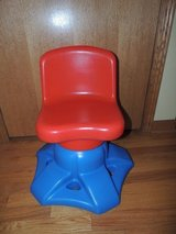Little Tikes Red and Blue SWIVEL CHAIR for ART DESK in Morris, Illinois