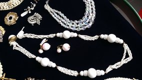 Vintage white wire and bead necklace in Ramstein, Germany