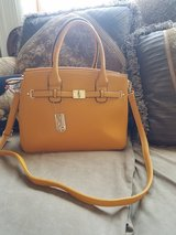 ROBERT MATHEW CROSSBODY PURSE in Lockport, Illinois