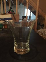 Reduced! Clear Vase in Plainfield, Illinois