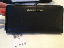 Michael Kors Black Leather Wallet - New in Pasadena, Texas