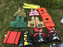 Life vests/preservers in Glendale Heights, Illinois