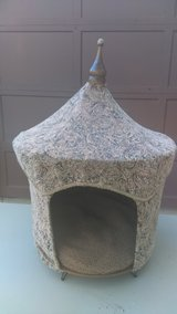 Pagoda Pet Bed in Naperville, Illinois