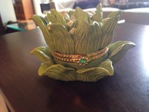 Flower Trinket Holder in Bolingbrook, Illinois