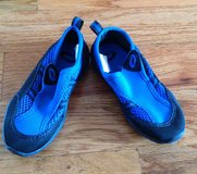 Toddlers black/blue pool/beach shoes size 10 in Warner Robins, Georgia