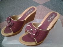 ladies size 4 light weight wedges in Lakenheath, UK