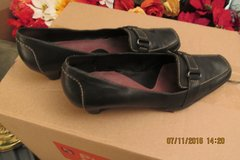 Nice Women's Leather Loafer-Style Shoes - Size 9 - Needs A Heel Replacement in Kingwood, Texas