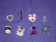 lapel pins in St. Charles, Illinois