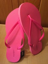 Pink Old Navy Flip Flops, Sandals - New, Tags still attached in Oswego, Illinois
