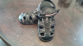 Boy's Size 4 Faded  Glory sandles in Clarksville, Tennessee