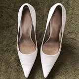 Nine West White Point Toe Pumps in Okinawa, Japan