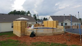 walls lawn care    Decks ,privacy fence, stain and more in Clarksville, Tennessee