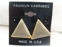 NWT Gray Gold Tone Triangle Career Stud Post Dainty Cute Fashion Earrings in Houston, Texas