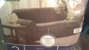 2 piece love seat cover in Fort Campbell, Kentucky