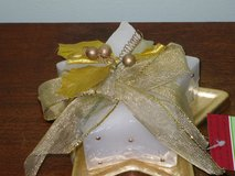 NWT star shaped candle on dish in Aurora, Illinois