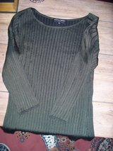 Sweaters/Tops good quality in Travis AFB, California