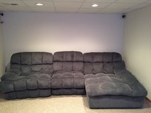 Sectional 3 piece recliner in Tinley Park, Illinois