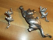 CAT PIN AND MATCHING PIERCED EARRINGS by J.J. in Alamogordo, New Mexico