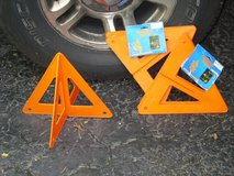emergency road markers in Glendale Heights, Illinois