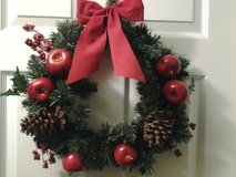 """*UPDATED* 15"""" Artificial Christmas Wreath w/apples in Eglin AFB, Florida"""