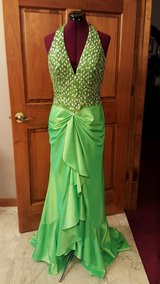 Prom STUDIO 17 sz 4 6 8  (see measurements) Homecoming Green Halter Formal Prom Gown Ball Masque... in Houston, Texas