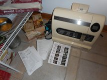 Bready Breadmaker fully automatic gluten-free bread making system machine w/8 boxes of mix in Chicago, Illinois