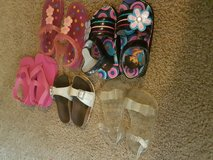 In good condition size 8 to 9 little girl in Fort Polk, Louisiana