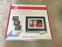 "New HP 8"" digital picture frame df820b2 in Beaufort, South Carolina"