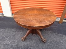 Solid Qtr Oak Round Table W/ Paw Feet in Cherry Point, North Carolina