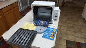 Ronco 3000T Compact Countertop Showtime 3000T Rotisserie BBQ Oven w/ Extras in Wilmington, North Carolina