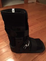 DeRoyal Medical Boot - NEW in Chicago, Illinois