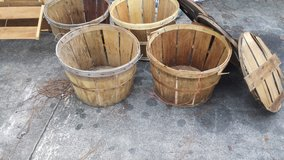 6 Wooden large baskets and crate in Cherry Point, North Carolina