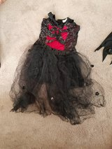 Girls costume medium 8/10 in Joliet, Illinois