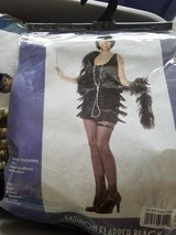 New Women's flapper costume in Oswego, Illinois